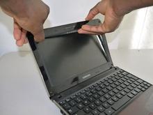 Смяна на дисплеи на лаптопи